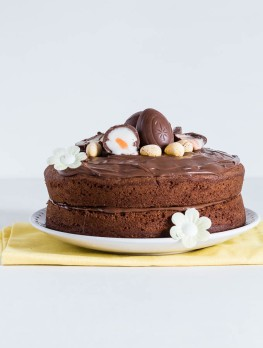 Cream-egg-and-nutella-cake-680x900